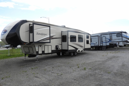 FIFTH WHEEL HERITAGE GLEN 28 RL 2016